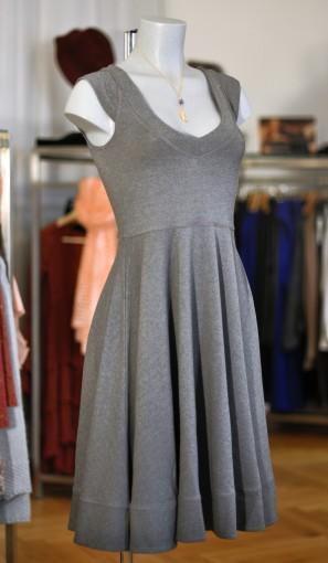 weitschwingendes Jerseykleid
