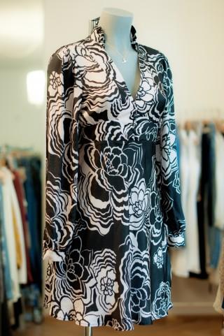 Kleid mit schwarz & weißem Muster