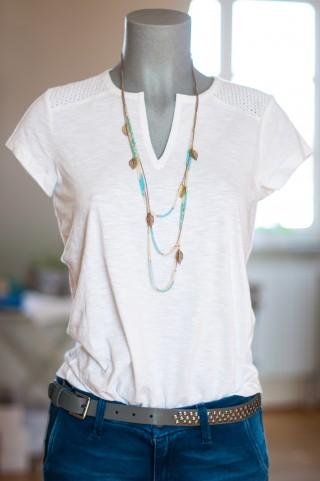 weißes T-Shirt mit Embroideryeinsatz