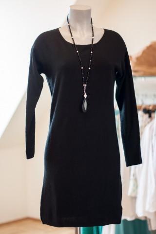 weiches schwarzes Kleid in A Linie